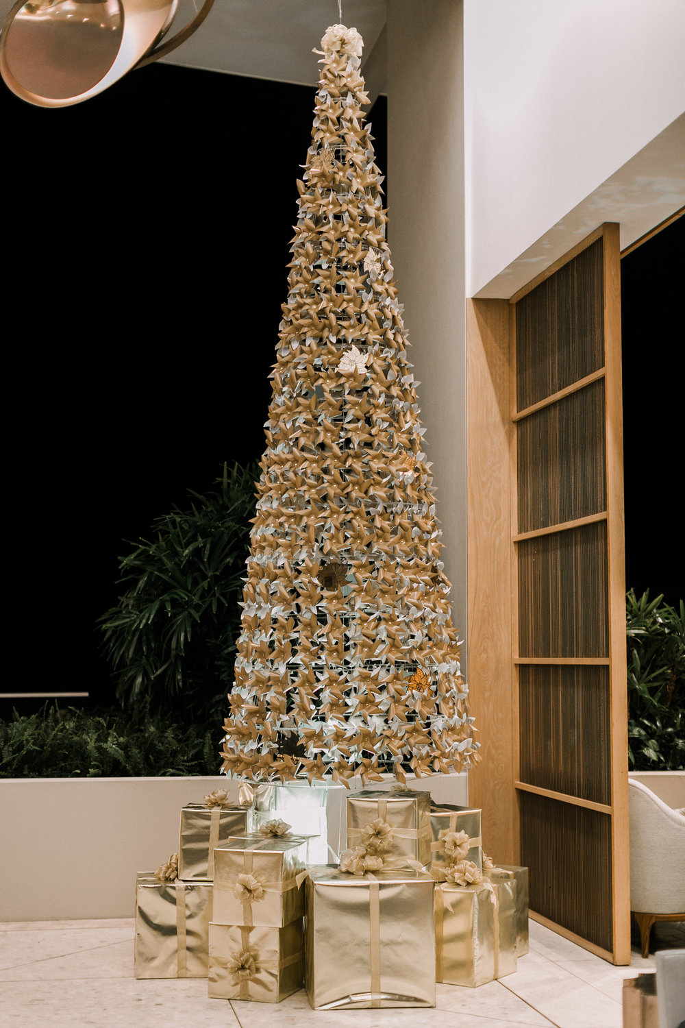 Curate-Ritz-Holiday-Lobby-Tree.jpg