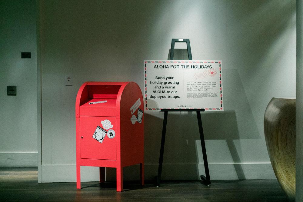 Curate-TMH-Aloha-Holidays-Mailbox.jpg