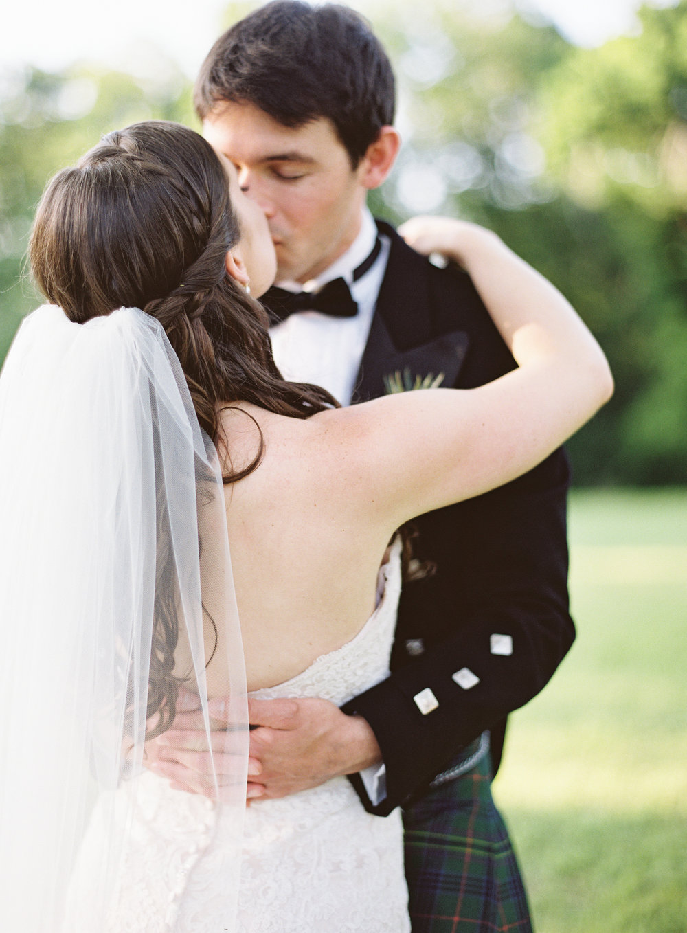 Scottish wedding on Texas ranch -