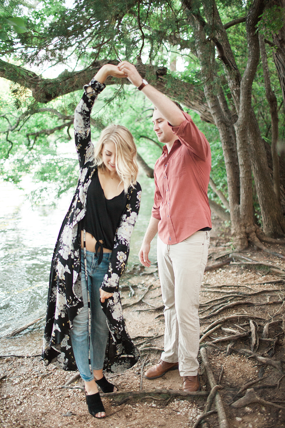 Romantic park engagement session -