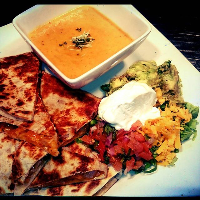 Shrimp quesadilla with butternut squash soup! Come down and have some with beer for $5. See you soon...#lunchfeature #lunchyyc #Merchants #eatdrinkplay #mardaloopyyc