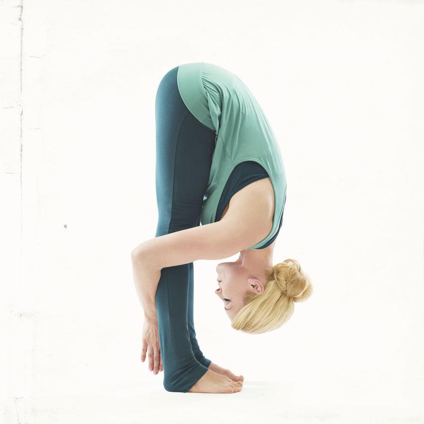 sarah-campbell-yoga_uttanasana_standing-forward-fold.jpg