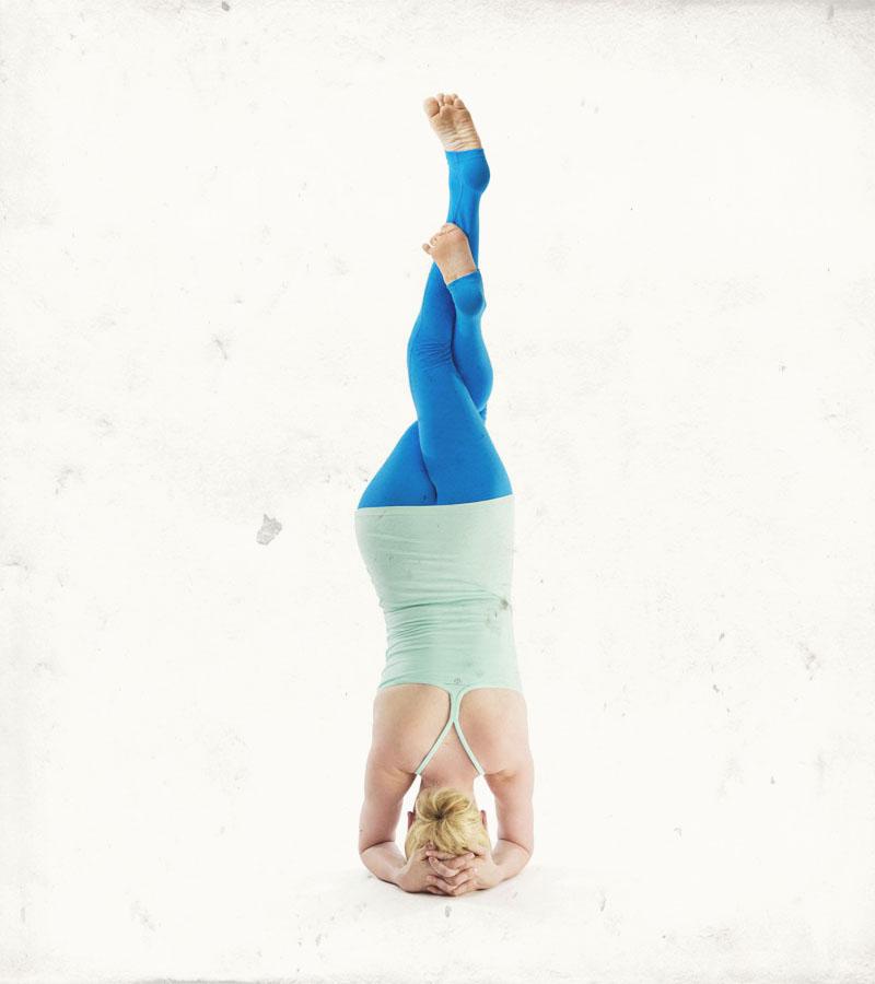 sarah-campbell-yoga_sirsasana-garudasana_headstand-with-eagle-legs.jpg