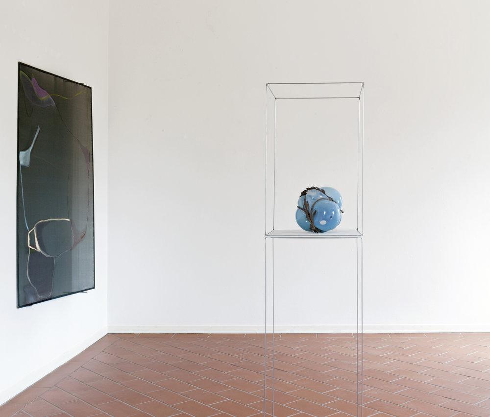 Veduta parziale dell'esposizione  L'attenzione è tessuto novissimo  2016, a cura di Ilaria Mariotti, Villa Pacchiani (PI)