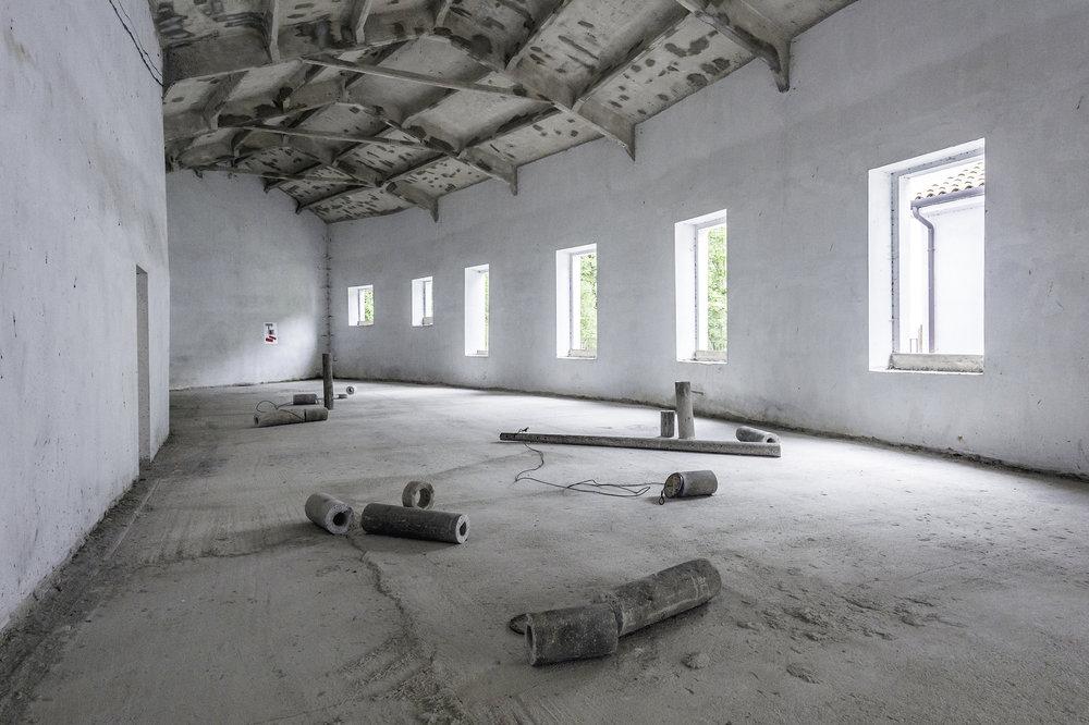 Parallelo  2015 - Cemento armato, cavi d'acciaio - Dimensioni ambientali