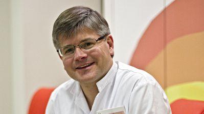 Dr. Jaume Mora
