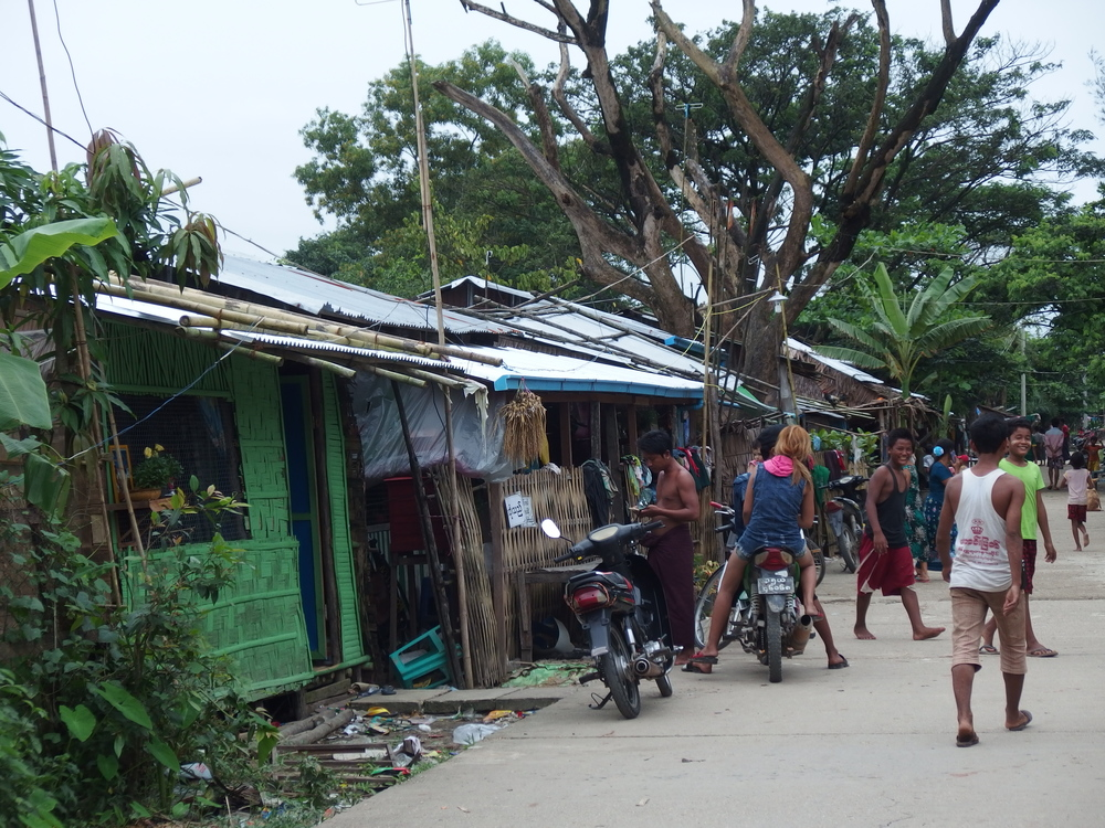 A crowded neighbourhood in Hlaing Tharyar.