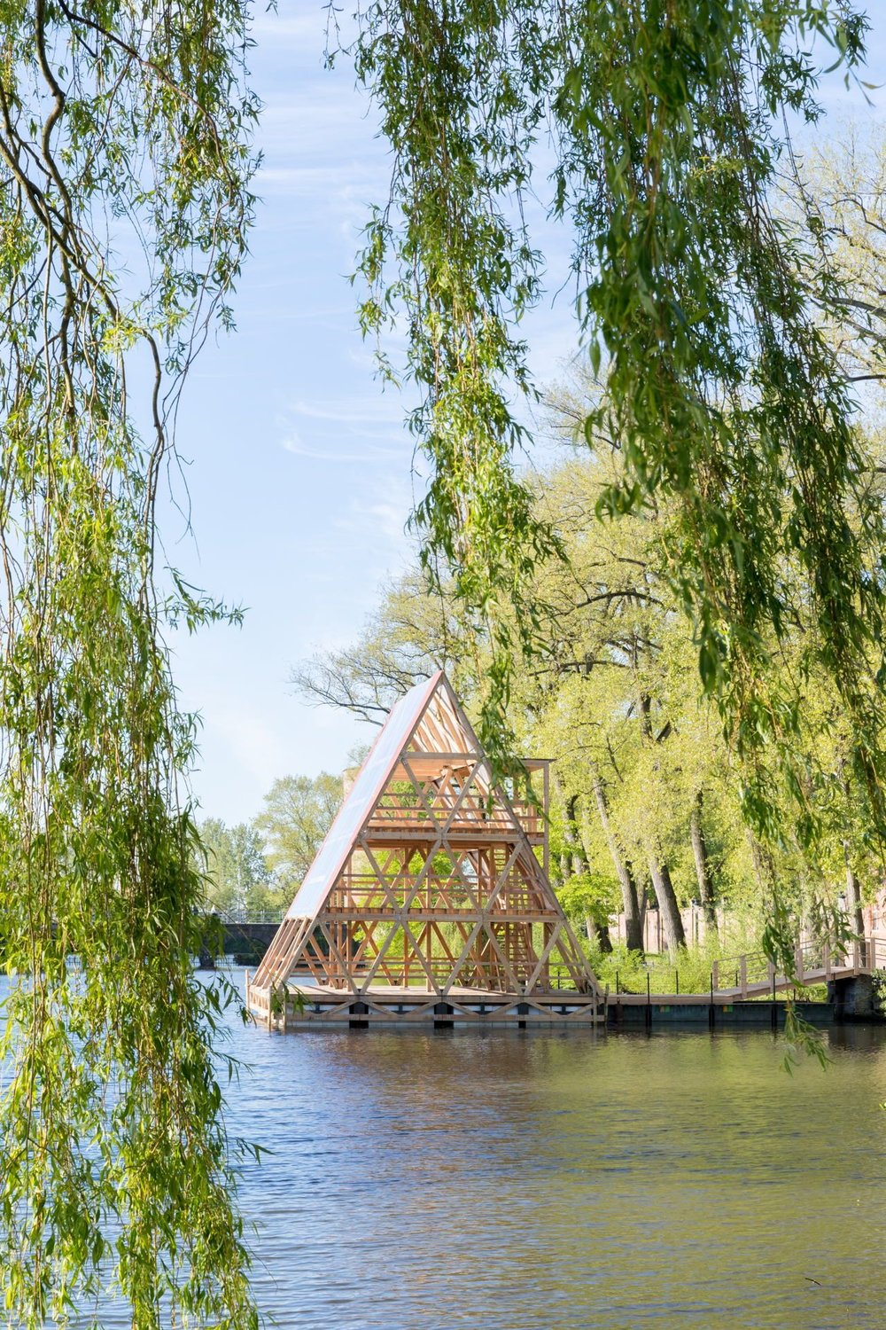 Triennial Bruges -Architectural artworks. - This year, with the overarching theme of 'Liquid society', Triennial Bruges contemplates our rapidly changing world through architecture; as established ways of life are under pressure, what does the future hold?..