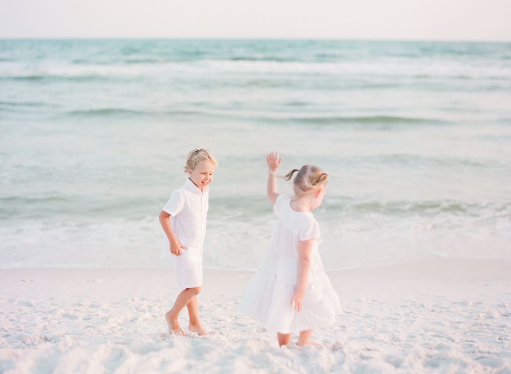 30a beach family pictures | Kaylie B. Poplin Photography | Watercolor, Florida Fine Art Family & Wedding Photographer