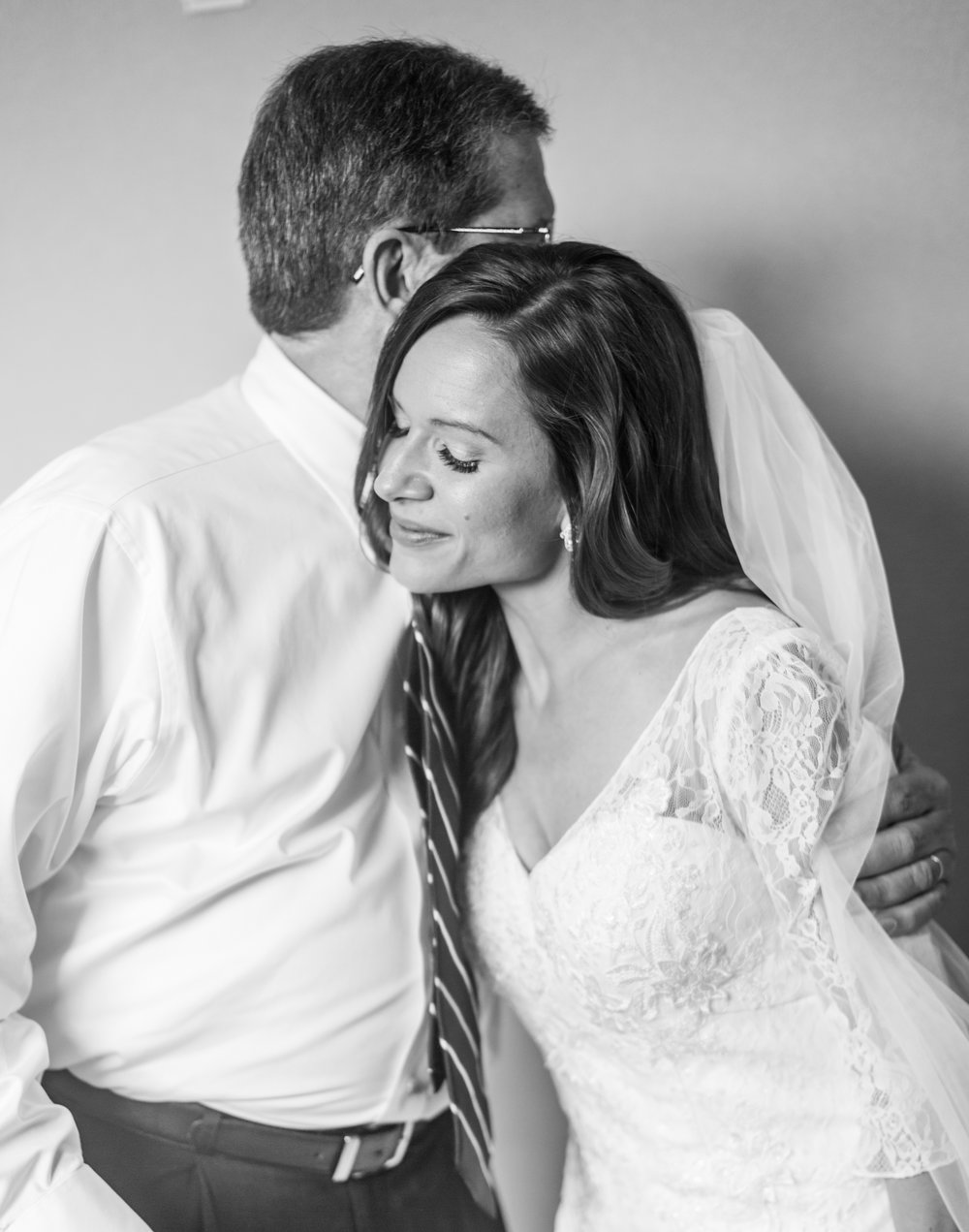 First Look With Dad | Intimate Crestview Florida Wedding | Jennifer Blair Photography