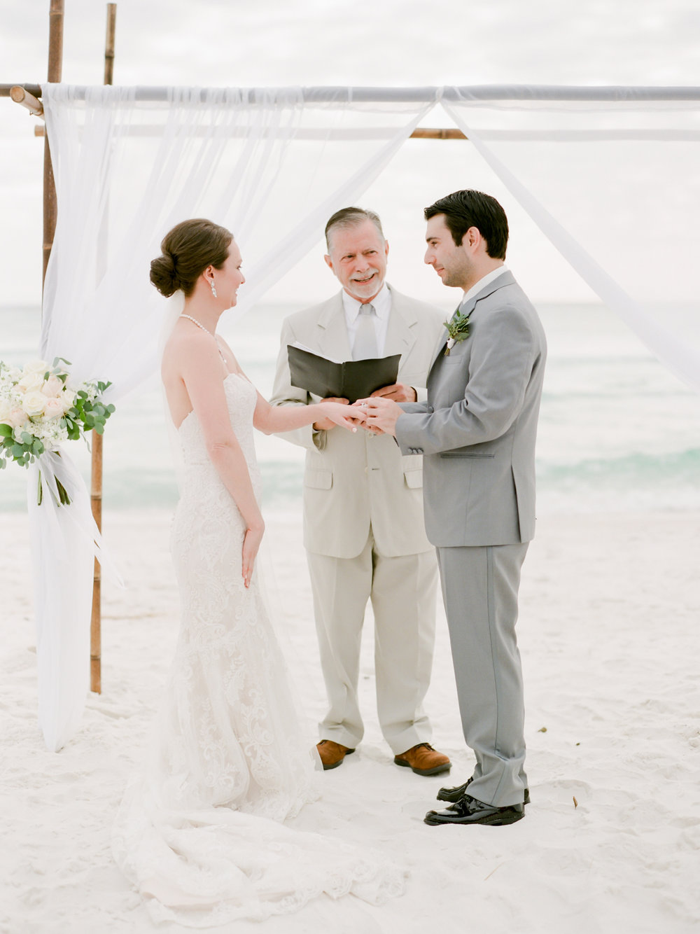 alysbeach-weddings-floralsbythesea-kayliebpoplinphotography