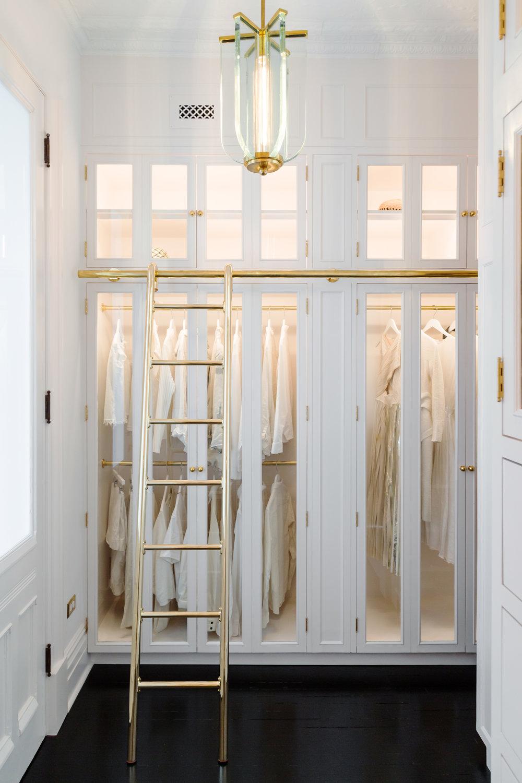 dressing_room_01.jpg
