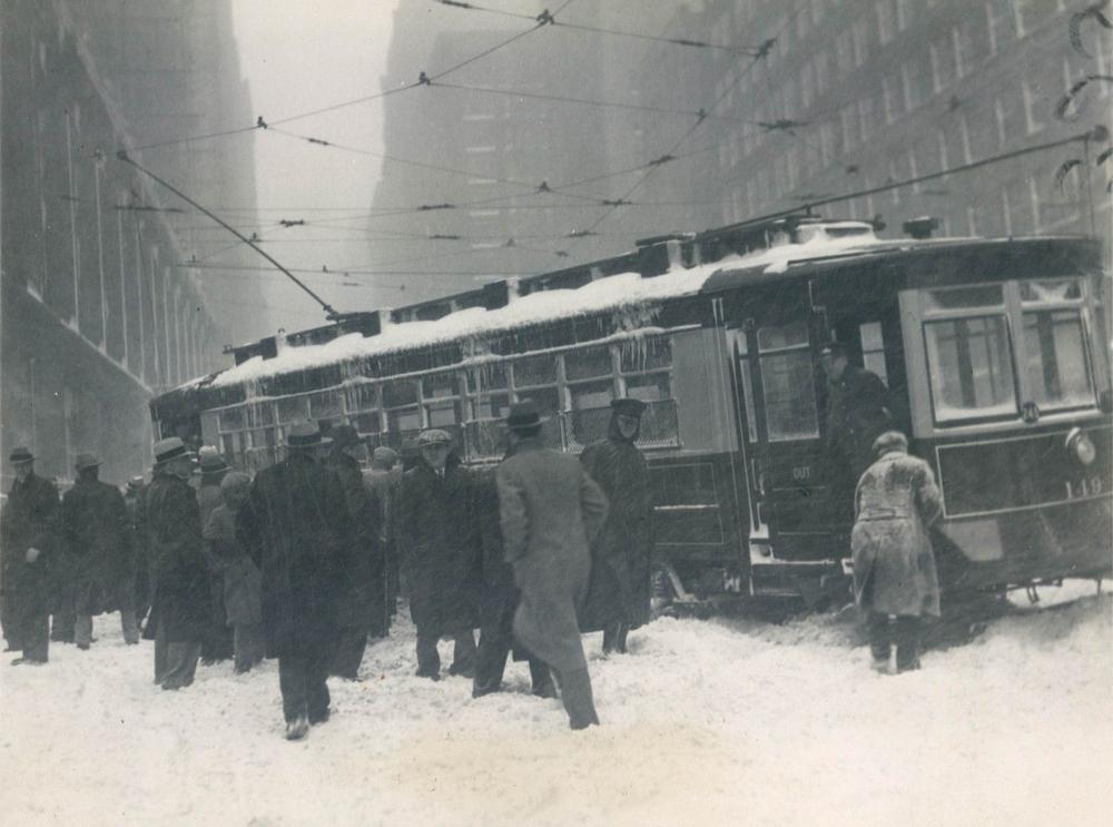 trolley-stuck-in-snow.jpg