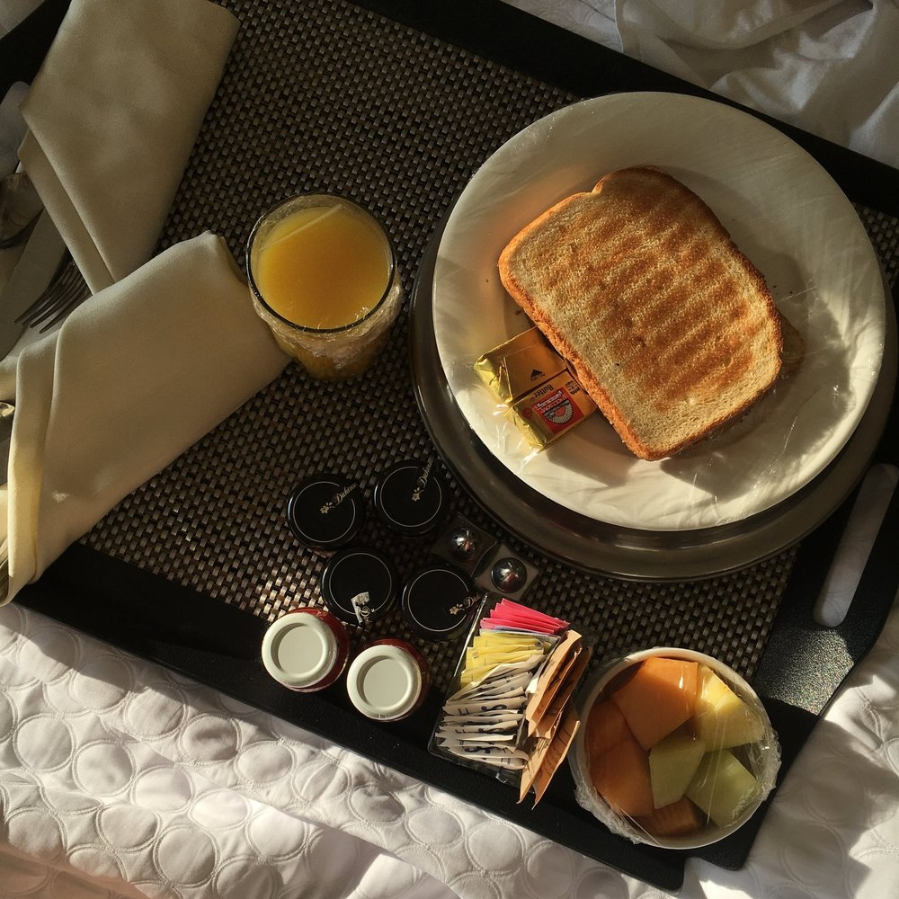 breakfast-bed-old-town-alexandria