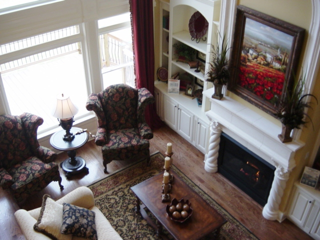 VIEW OF DIAMOND FAMILY ROOM.JPG