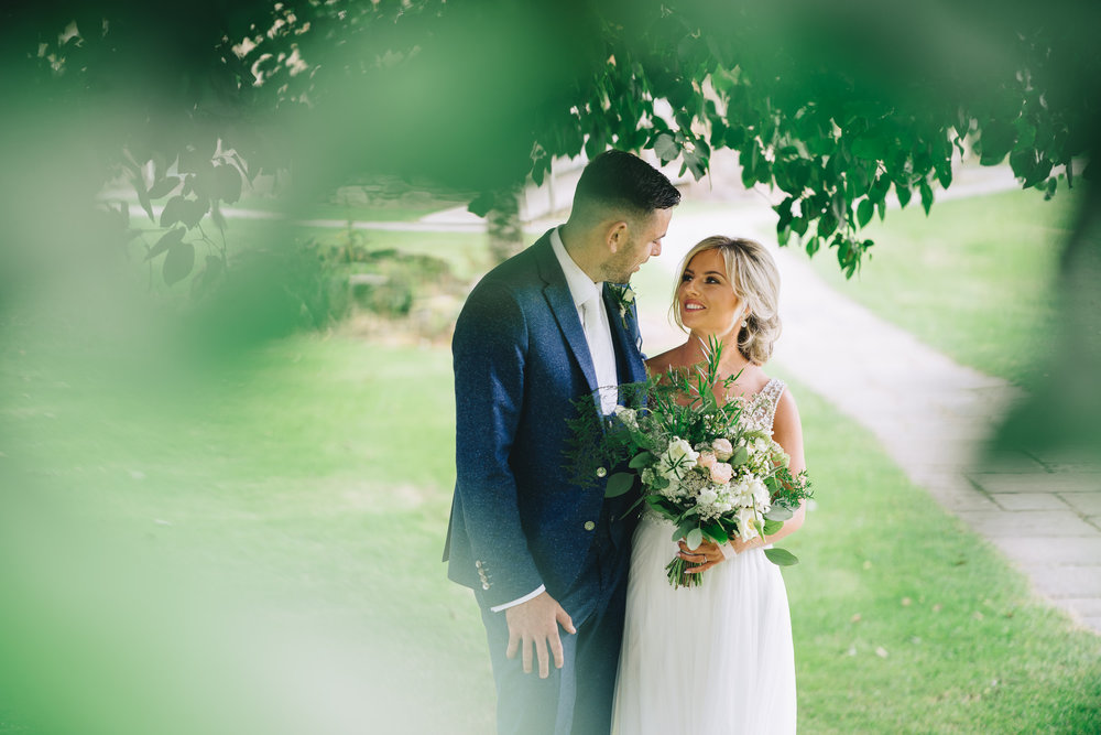 FULL WEDDING GALLERY  Click on this picture, then simply fill in your own email address and the gallery password (bride's maiden name).   Once you have registered your email address you can build your own gallery of favourite images and even order prints!
