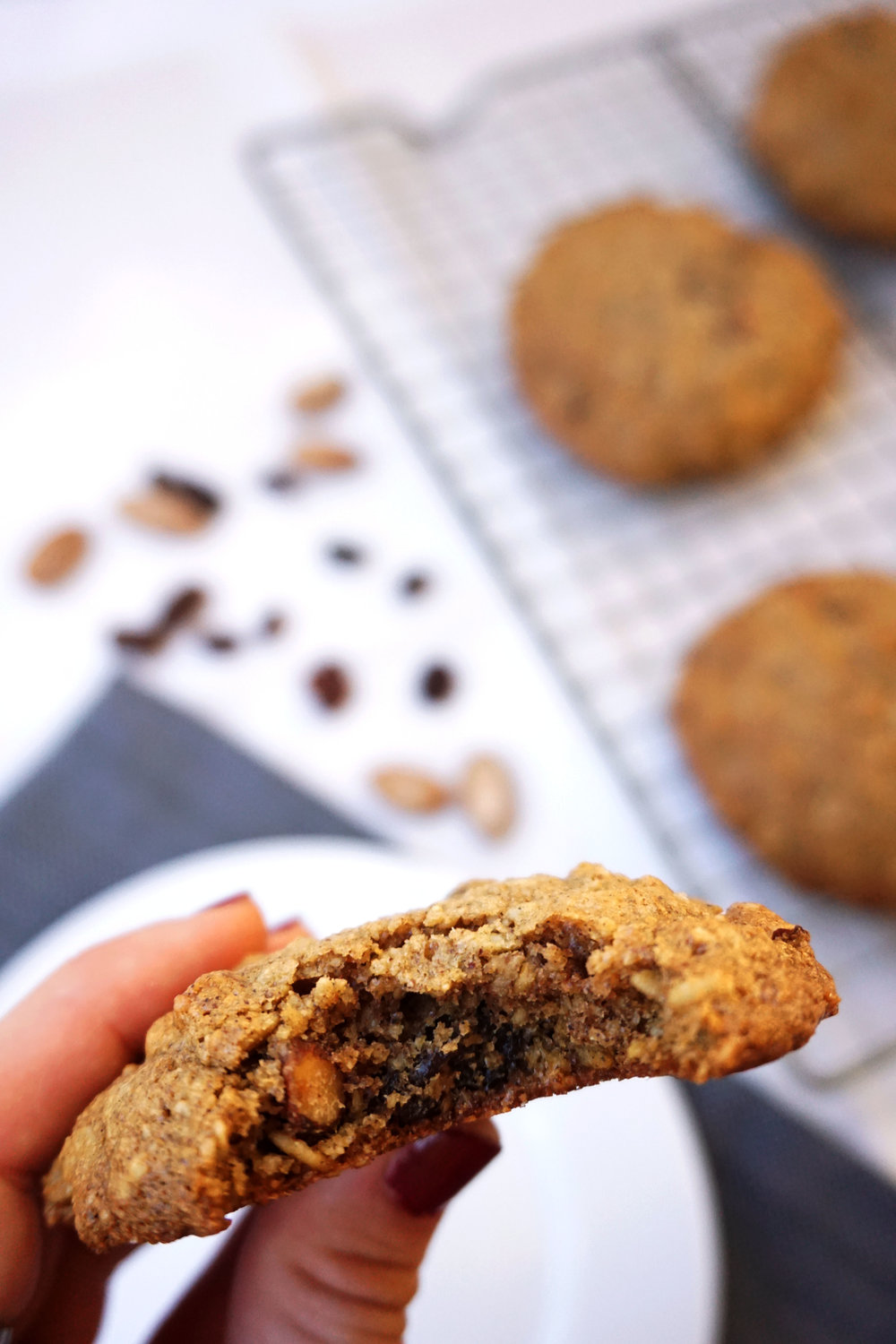 Chewy Oatmeal Raisin Breakfast Cookies (GF)