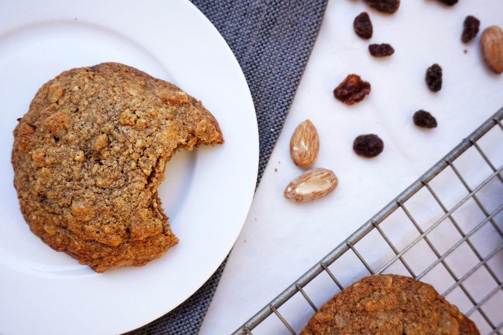 Chewy Oatmeal Raisin Breakfast Cookies (GF)