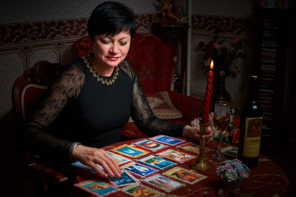 Tips for Tarot Readers: Look Deeper -