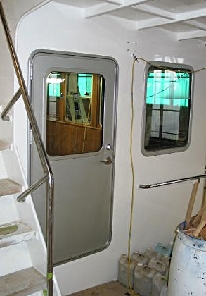 Boat doors custom marine and boat dock doors by well for Boat cabin entry doors