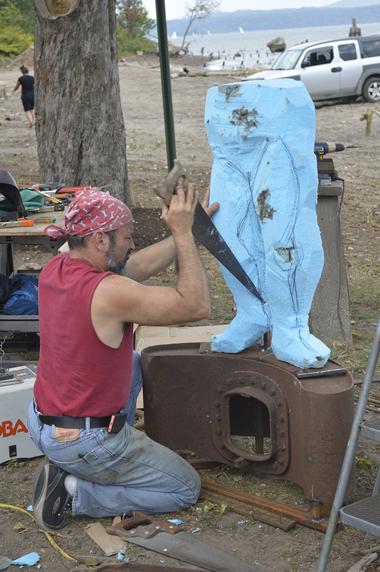 Sculptor Eric Laxman