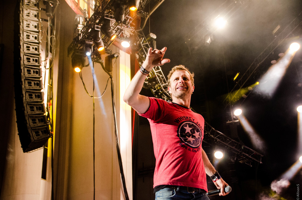 dierks-bentley_14221818878_o.jpg