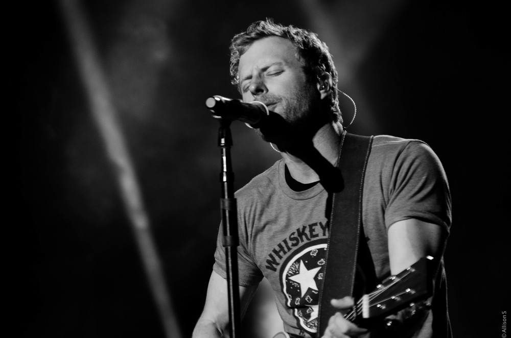 dierks-bentley_14221983747_o.jpg