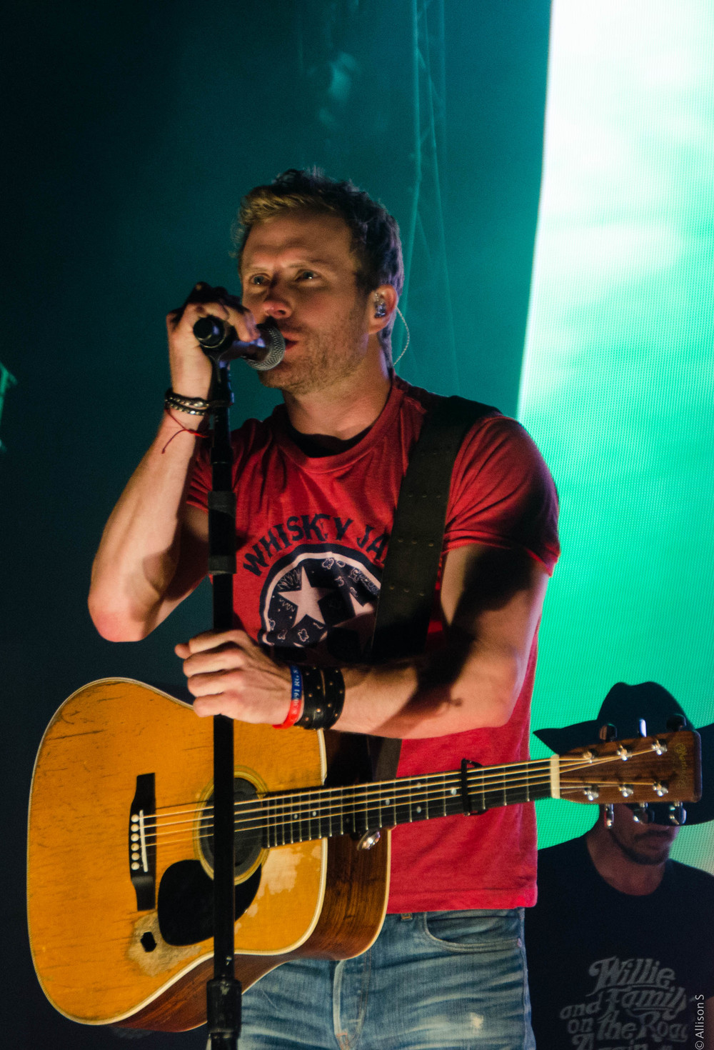dierks-bentley_14407123802_o.jpg