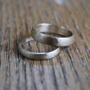 textural wedding bands