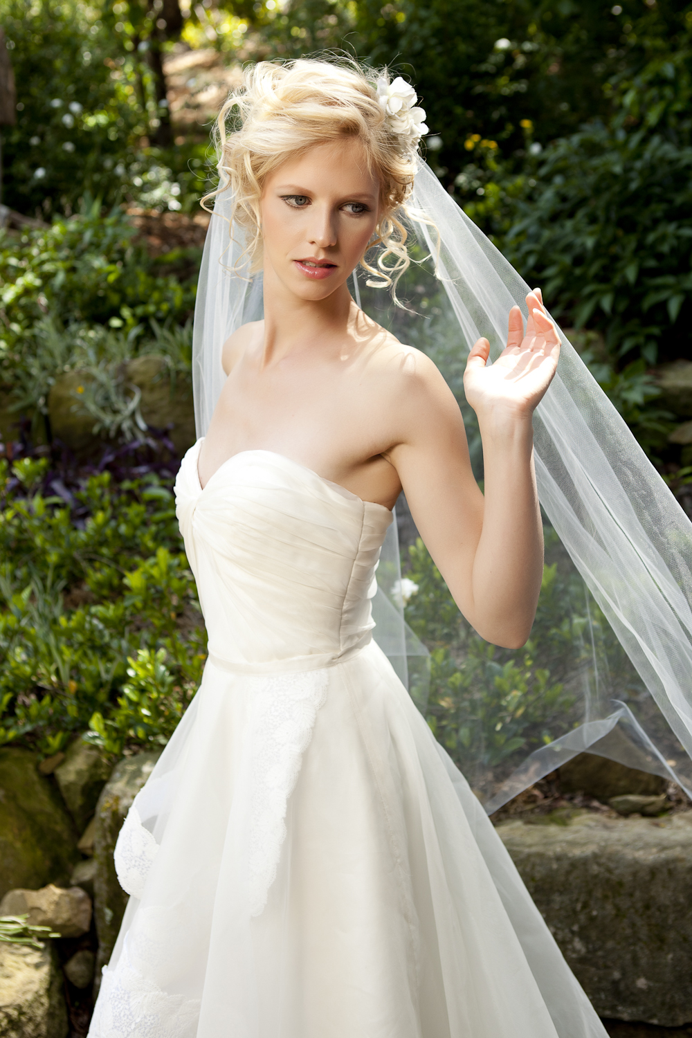 Fern bridal gown_Tanya Anic photography _ Luke Drew 1.jpg