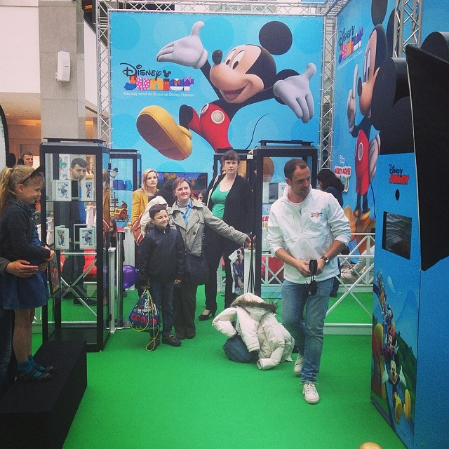 #wijnegemshoppingcenter #disneyjunior #mickeysclubhouse #customphotobooth