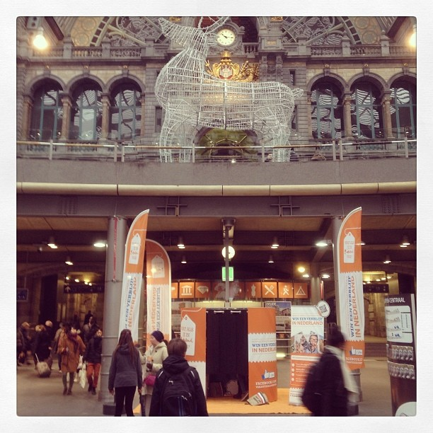 Hello antwerp! #photobooth #vakantiesalon #centraalstation