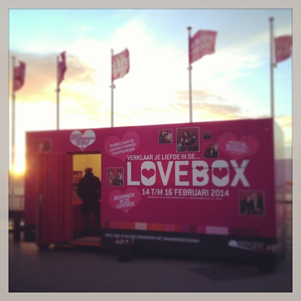 Come and join us #lovebox #rubensplein #knokkeheistgram #lovid #instaprinter #valentijnknokkeheist