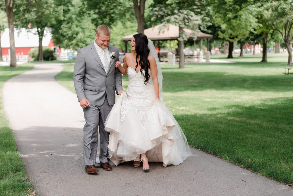 LAYCE + BRANDON  - GOLD + GLAM AIRPORT WEDDING