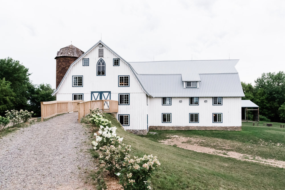 Bloom Lake Barn - Shafer, MN Wedding Venue - Best Wedding Venues in MN