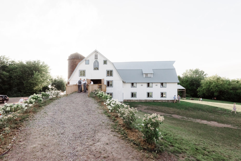 Beautiful Bloom Lake Barn Wedding Venue at Sunset in Shafer, MN