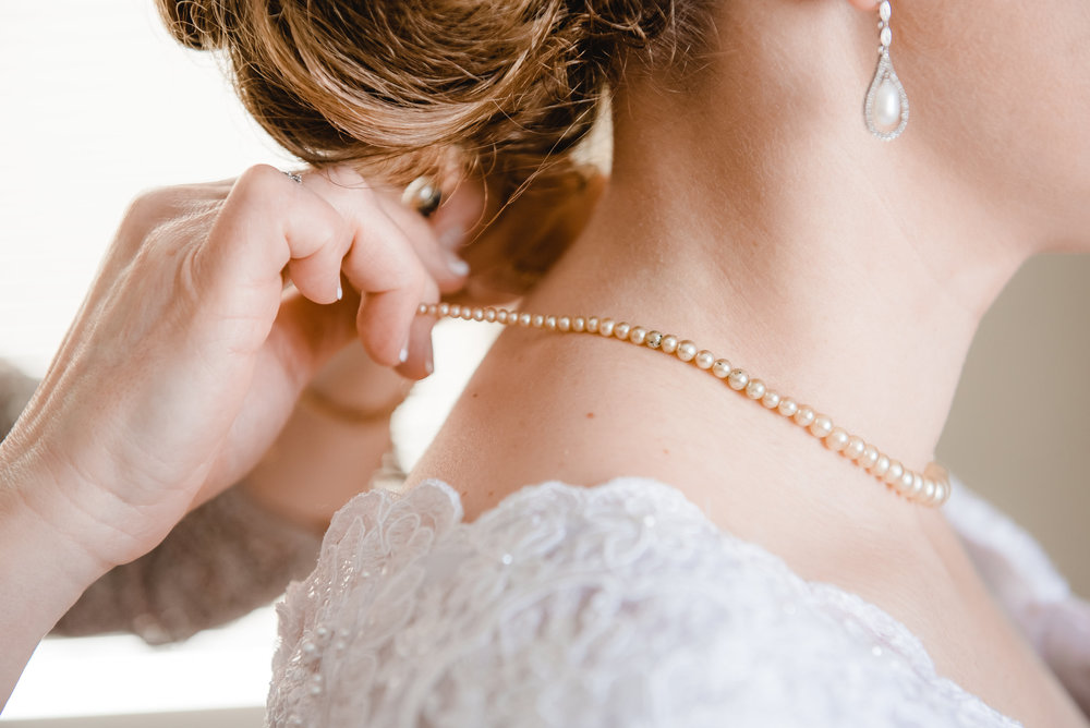 An Heirloom Necklace for the Bride - Delano, MN Wedding PHotographer