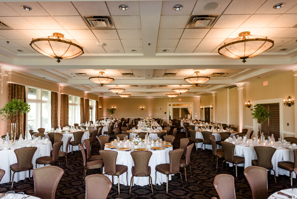 Minneapolis Golf Club Wedding Reception - Minneapolis Wedding Photographer - Laura Robinson Photography