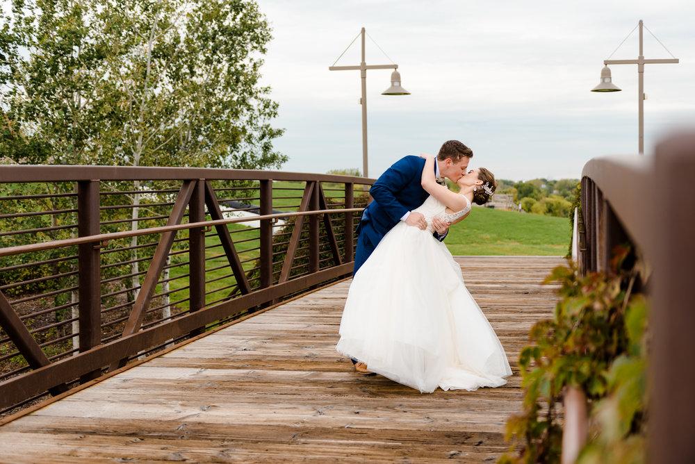 MORIAH + JAKE - ELEGANT FALL WEDDING AT ELM CREEK CHALET