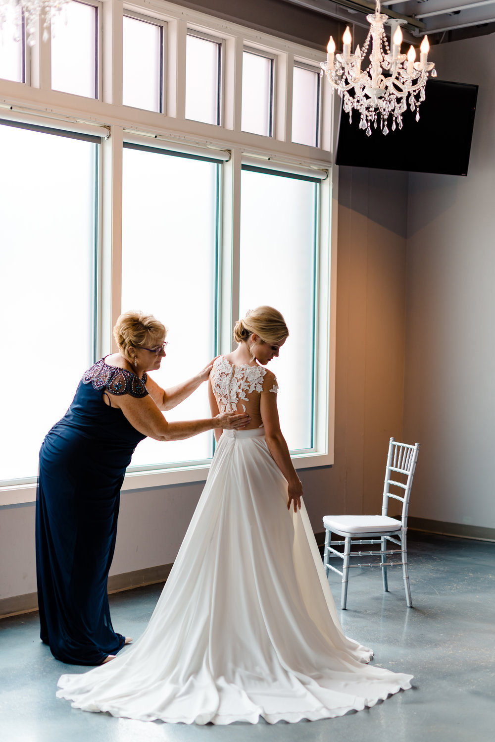 Muse Event Center Wedding - Bride Getting Ready - Romantic Wedding Photographer MN