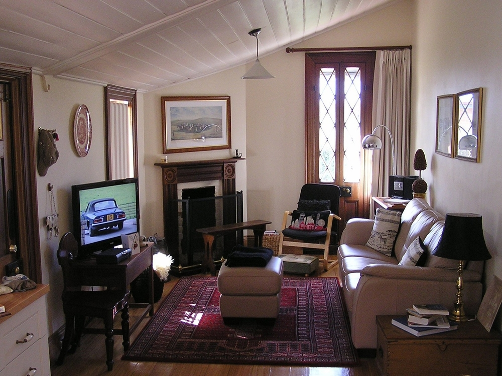 P Hill Sitting Room.JPG