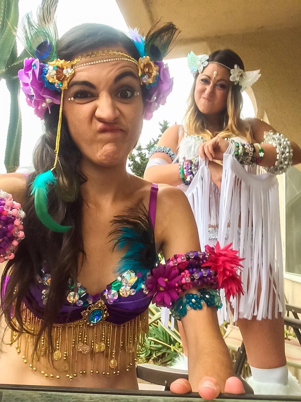 Kaitlynaka  edmHumor  with her Gf Claudia aka  Rave Selfies.