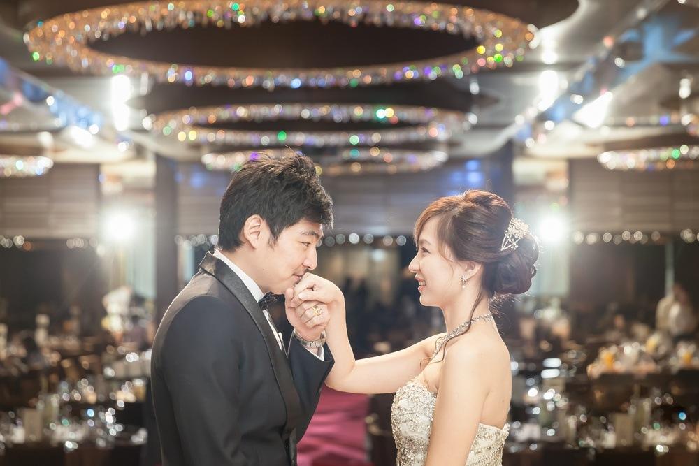 婚禮攝影: Amos +Fiona @ 台北國賓 平面婚攝: Ray Wang Wedding Photographer: Ray Wang Location: AMBASSADOR Hotel,Taipei, Taiwan Groom & Bride: Amos +Fiona