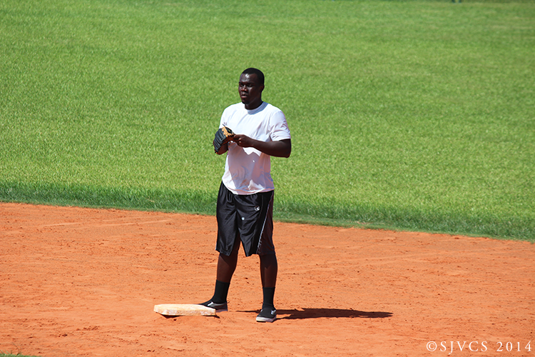 Staël Dantes takes a break at second base