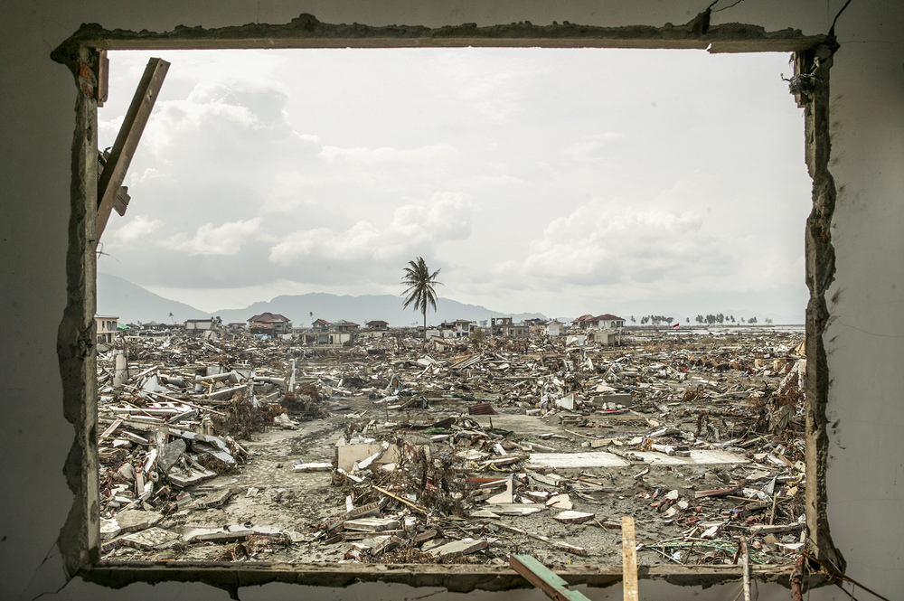 A devastated neighborhood of Banda Aceh.