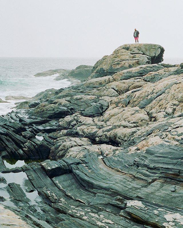 Wavy ☮️🌊 #maine #eastcoast #coastline #cloudy #ocean #35mm #kodak #film #portra #fall #2018
