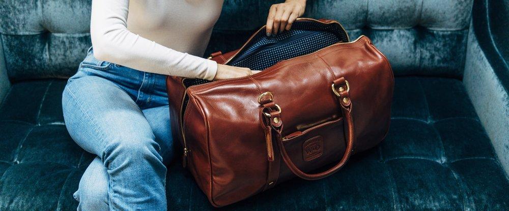 duffle-suitcase-pdp-oak.jpg