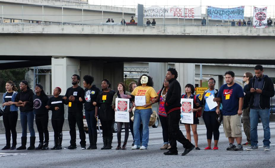 Protesters block the I-75/85 connector in Atlanta. Photo by Anna Simonton.