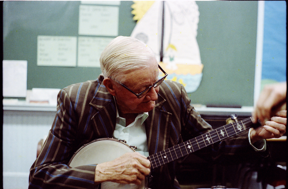 Tommy Jarrell playing the banjo. Image courtesy Don Mussell.
