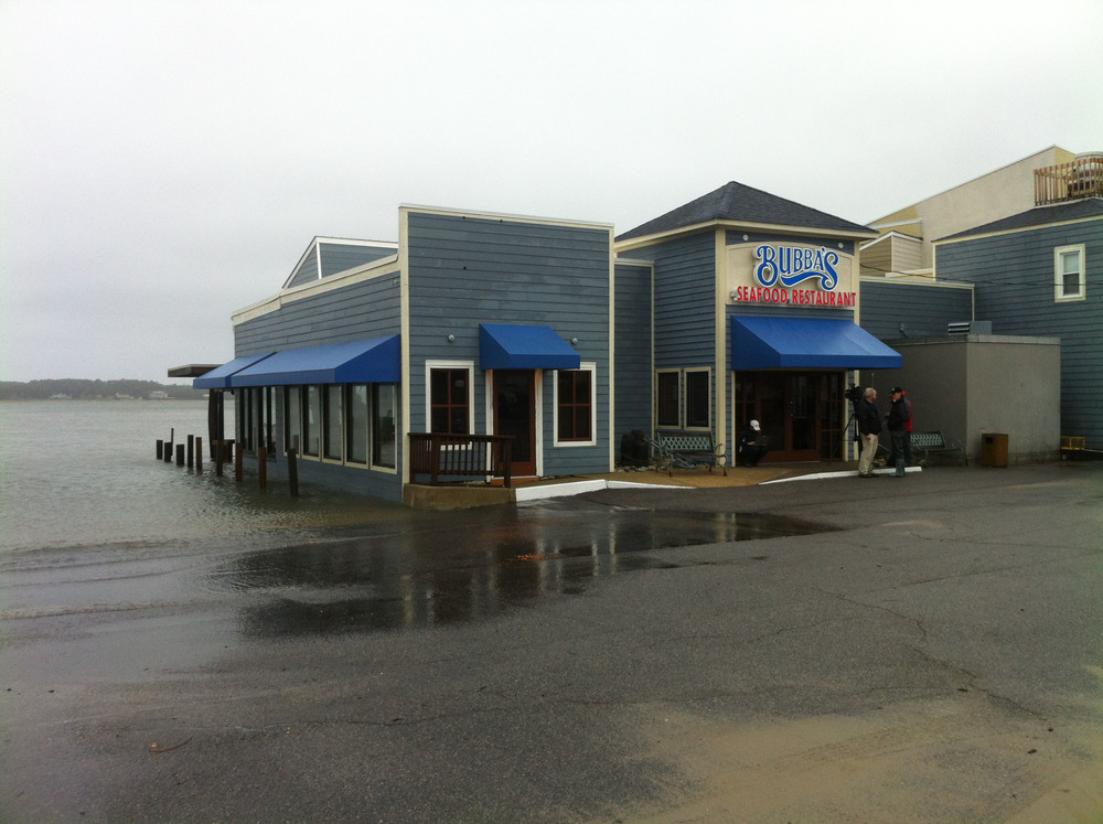 Bubba's restaurant during Hurricane Joaquin in October 2015. Photo by Michael Schulson.